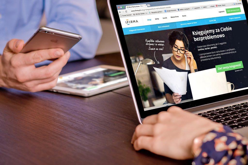 Cómo responder a dudas, preguntas y problemas de clientes de diseño, web y marketing online - macbook 667280 1280